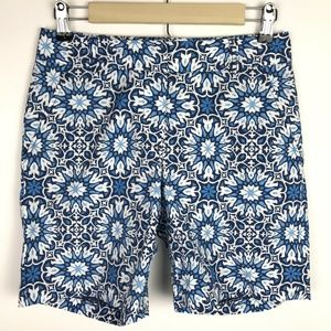 J. McLaughlin Shorts Blue White Geometric Floral